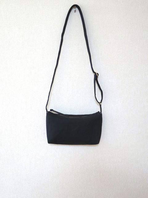 *発色の良い8号帆布で作ったポシェットサイズの斜め掛けショルダーバッグです*帆布のきれいなカラーと上質な風合いを生かして、どこまでもシンプルなバッグを目指しま...|ハンドメイド、手作り、手仕事品の通販・販売・購入ならCreema。
