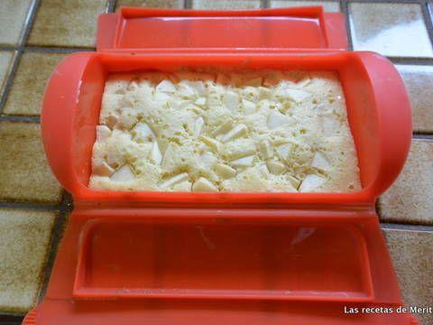 Fabulosa receta para Mini tarta de manzana en estuche Lékué. Es una manera de preparar una rica y rápida tarta de manzana. Si no se tiene mucho tiempo y quieres algo rico para una visita sorpresa o tomar un café.