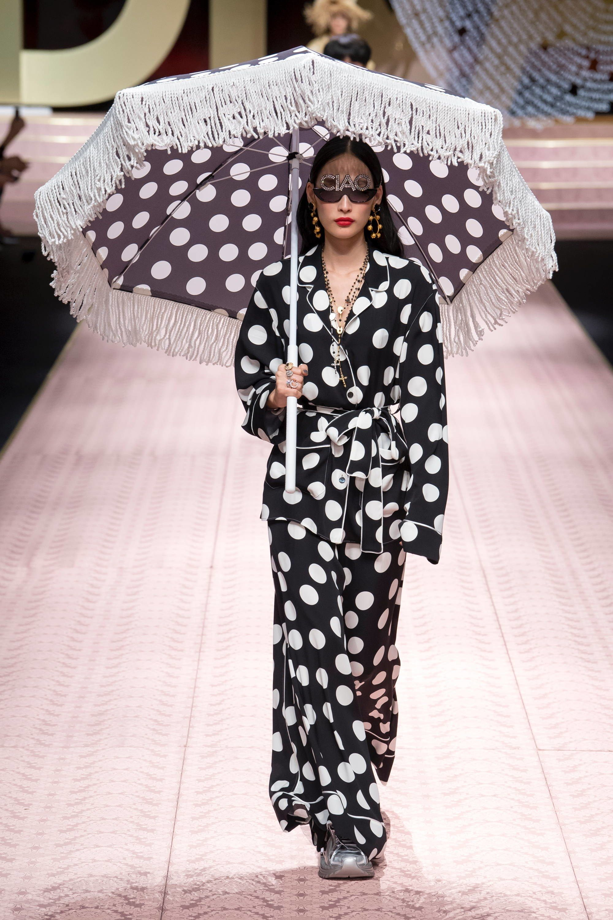d3941b587bf Dolce   Gabbana Spring 2019 Ready-to-Wear Collection - Vogue