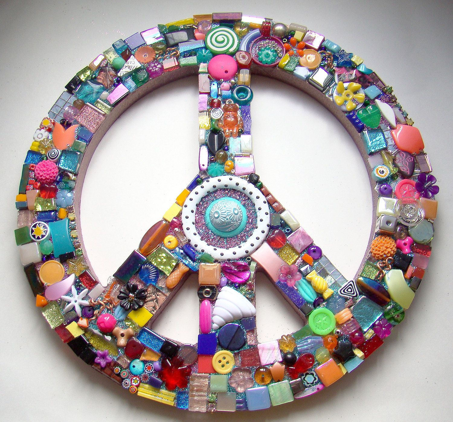 Funky Found Object Mosaic Peace Sign Retro Wall Art Goodies Etsy Peace Sign Peace Art Retro Wall Art
