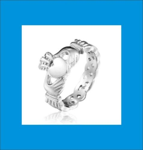 sz.9 Stainless Steel Ladies Claddagh Rin. Starting at $4 on Tophatter.com!