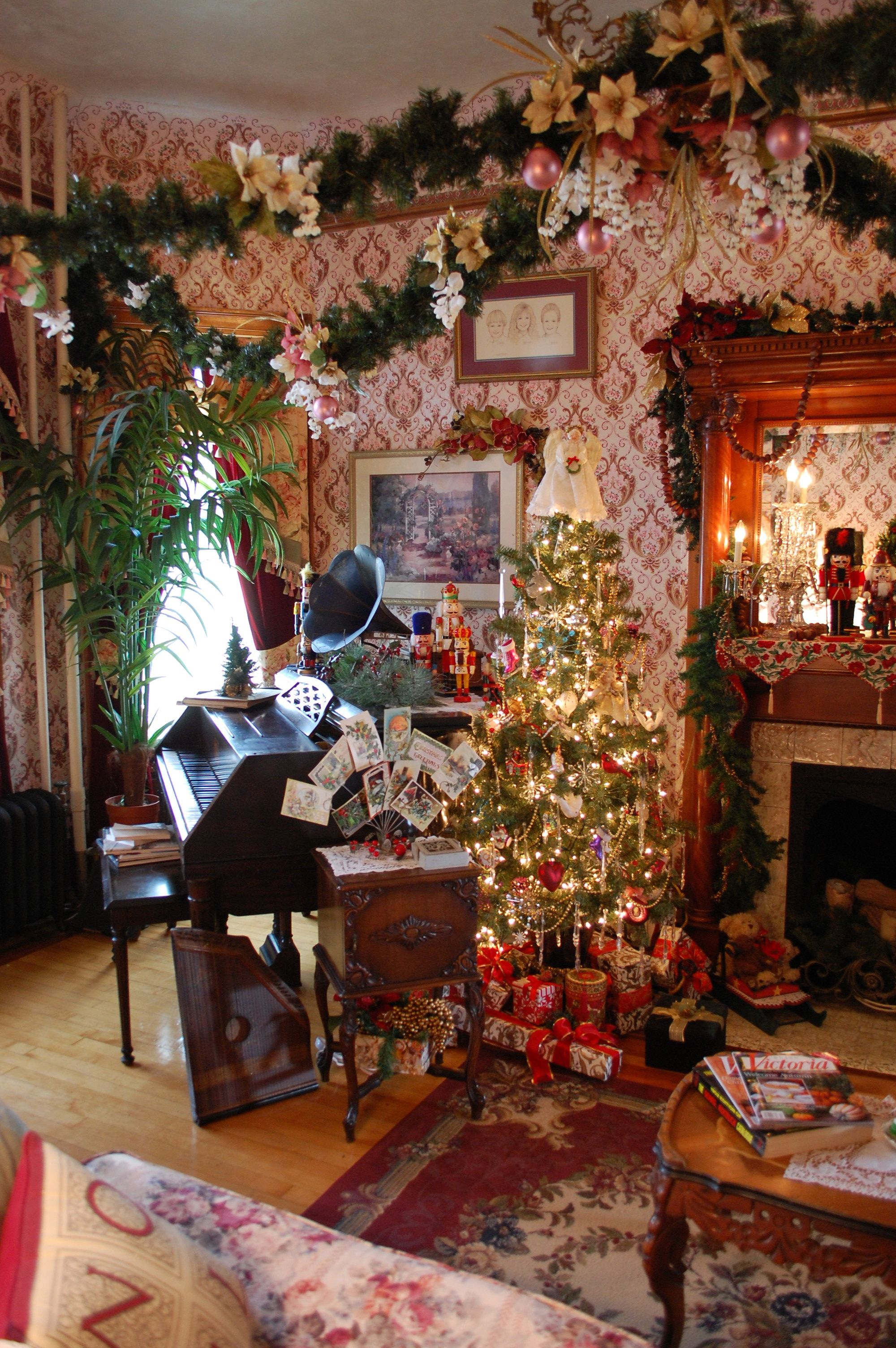 Enjoy our Victorian Christmas