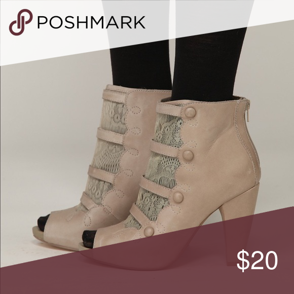 FP Victorian LACE bootie USED - bottom worn with love - bottom scuffs- great leather- Leather ankle bootie with peep toe and lace inset in the front. Zipper detail in the back. Leather covered button detail on either side of the lace. Rubber sole. Free People Shoes Ankle Boots & Booties