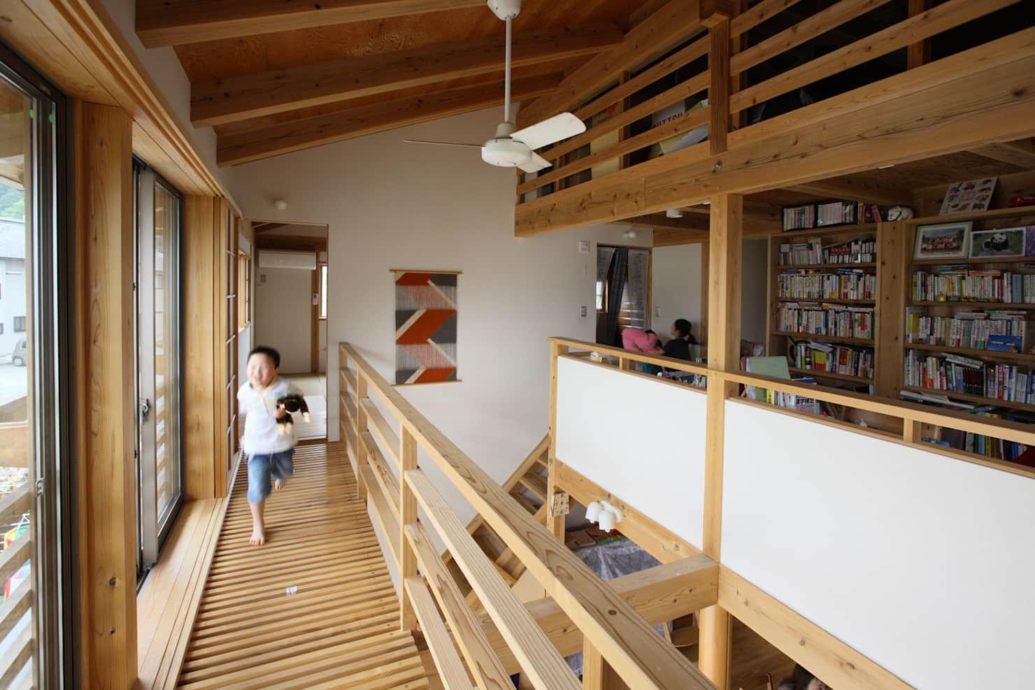 キャットウォーク オリジナルデザインの テラス の 芦田成人建築設計