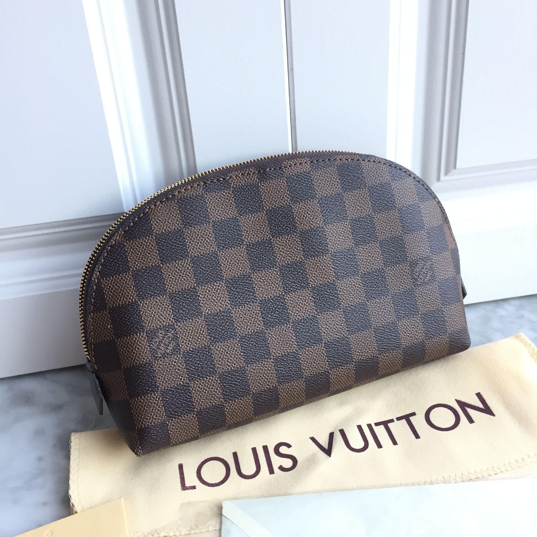 649508d19f1f Louis Vuitton lv woman pouch make up bag Damier ebene