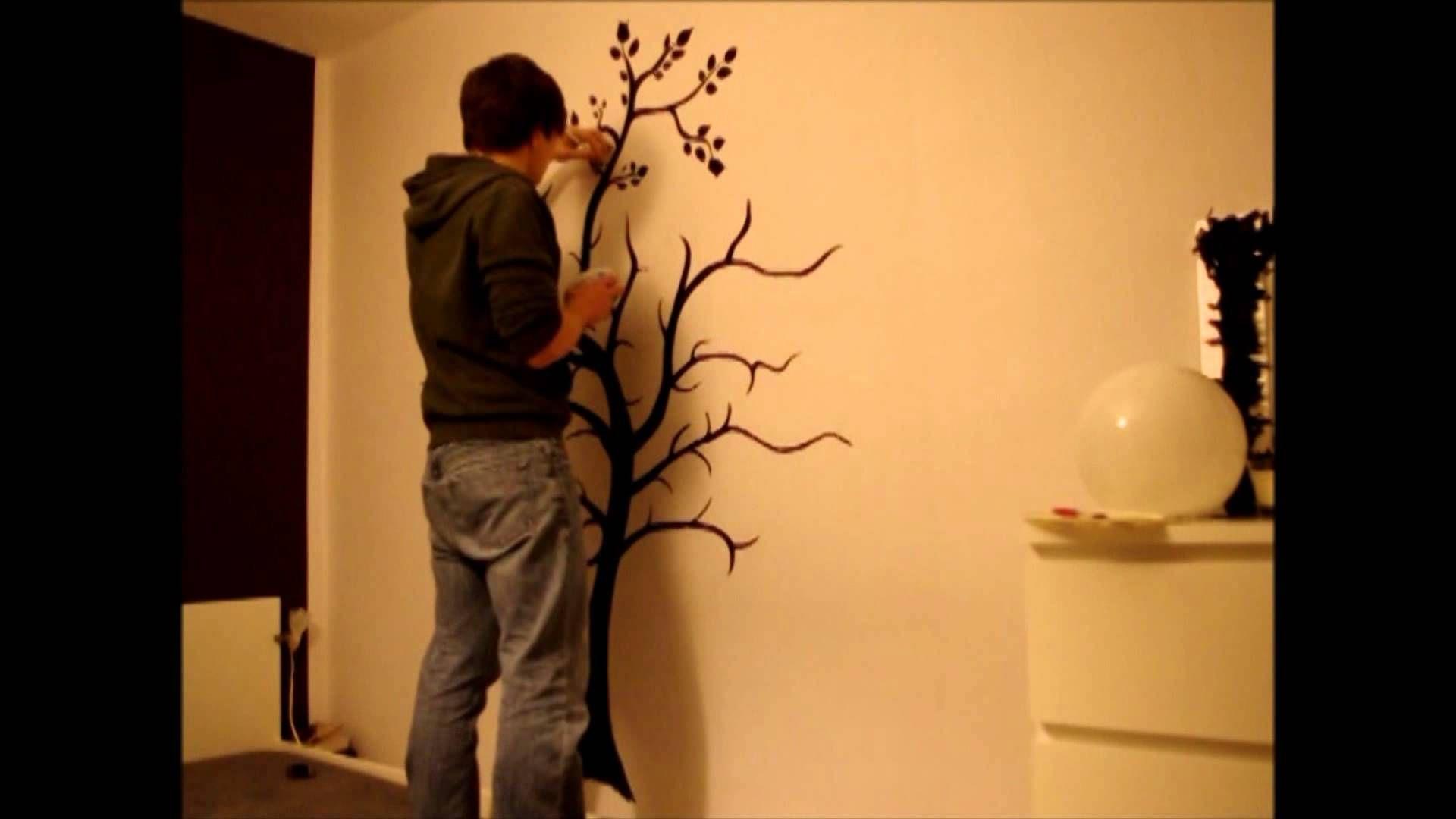 Fotowand mit Baum im Teitraffer