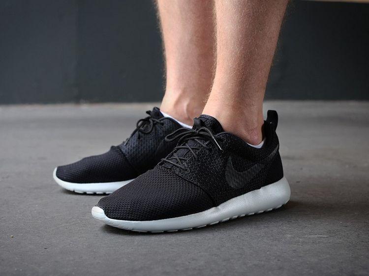 Nike Roshe Courir Habiller Tous Les Hommes Noirs