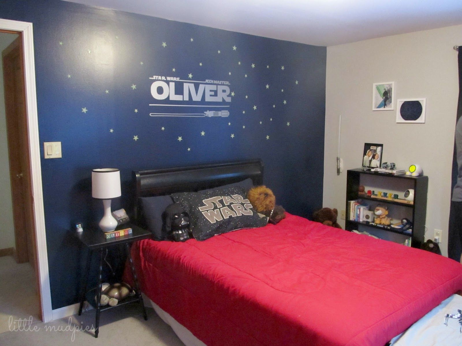 Star Wars Themed Bedroom via Little Mudpies one dark wall is nice ...