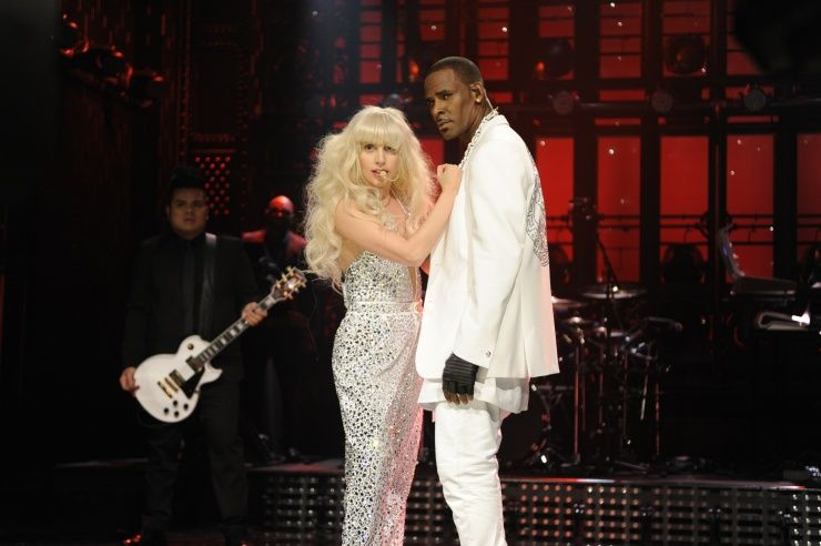 """Lady Gagaand R. Kelly deliver a steamy performance of """"Do What U Want"""" on """"Saturday Night Live"""" on Nov. 16 in New York"""