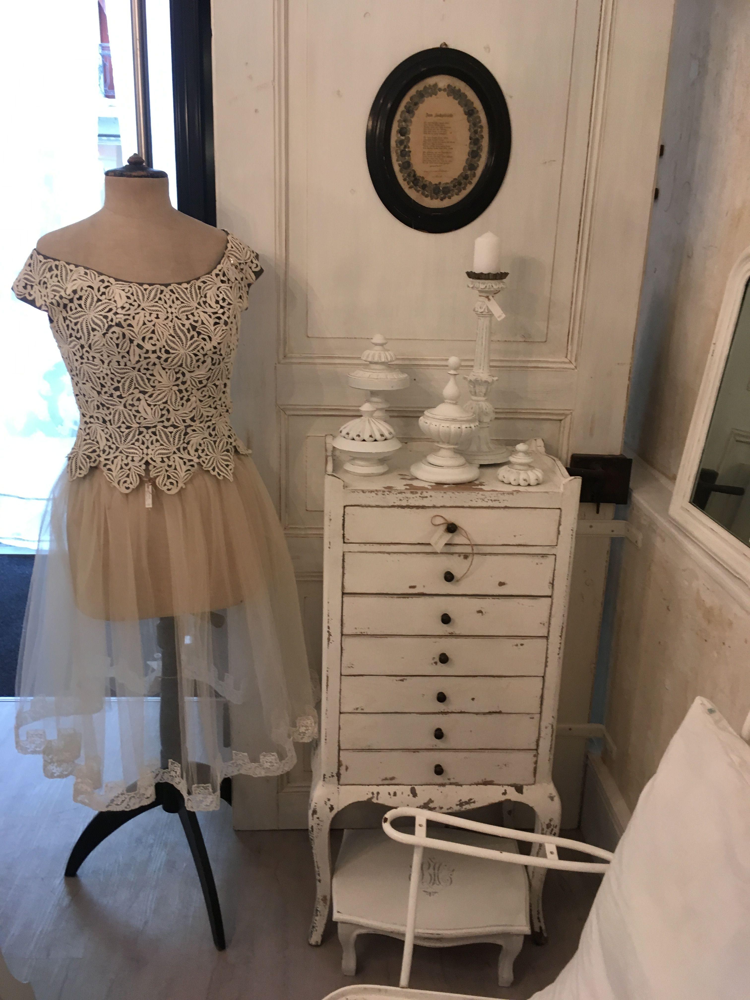 Vintage Kleider und Shabby Chic Möbel bei UNIKATUM | Shabby Chic und ...