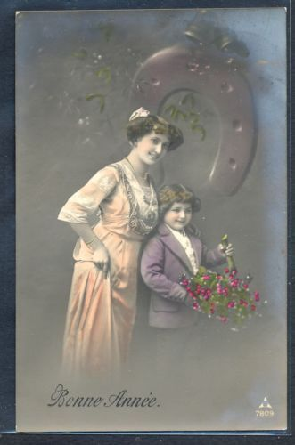 PZ060-EDWARDIAN-MOTHER-SON-HOLLY-HORSESHOE-Tinted-PHOTO-pc: