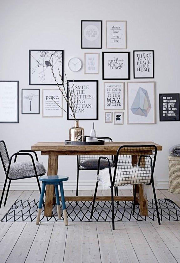 Die Salonhängung bietet dem Betrachter ein geordnetes Chaos - designer couchtische phantasie anregen