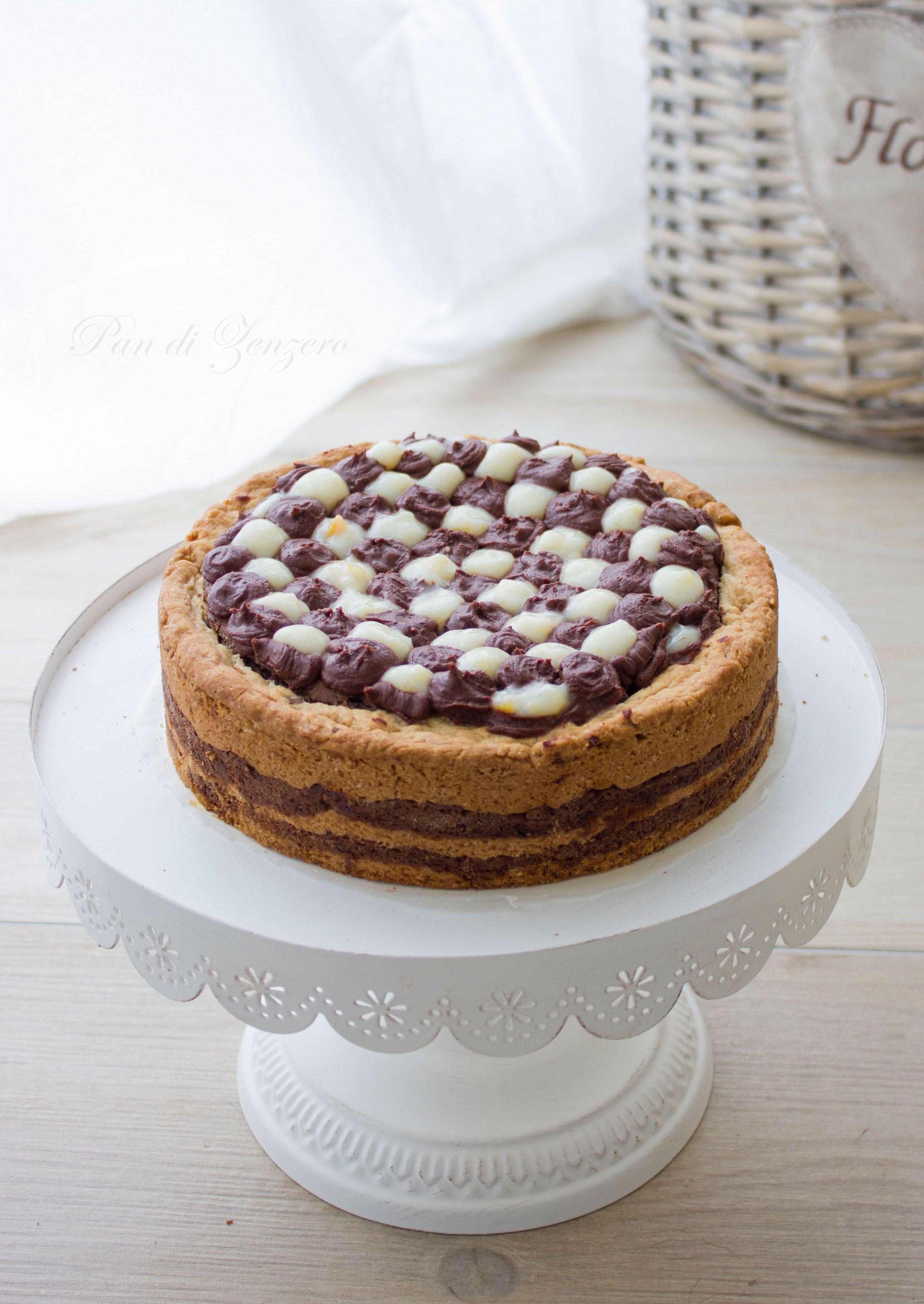 Crostata bicolore con marmellata di arance, ganache al cioccolato e crema di yogurt agli agrumi