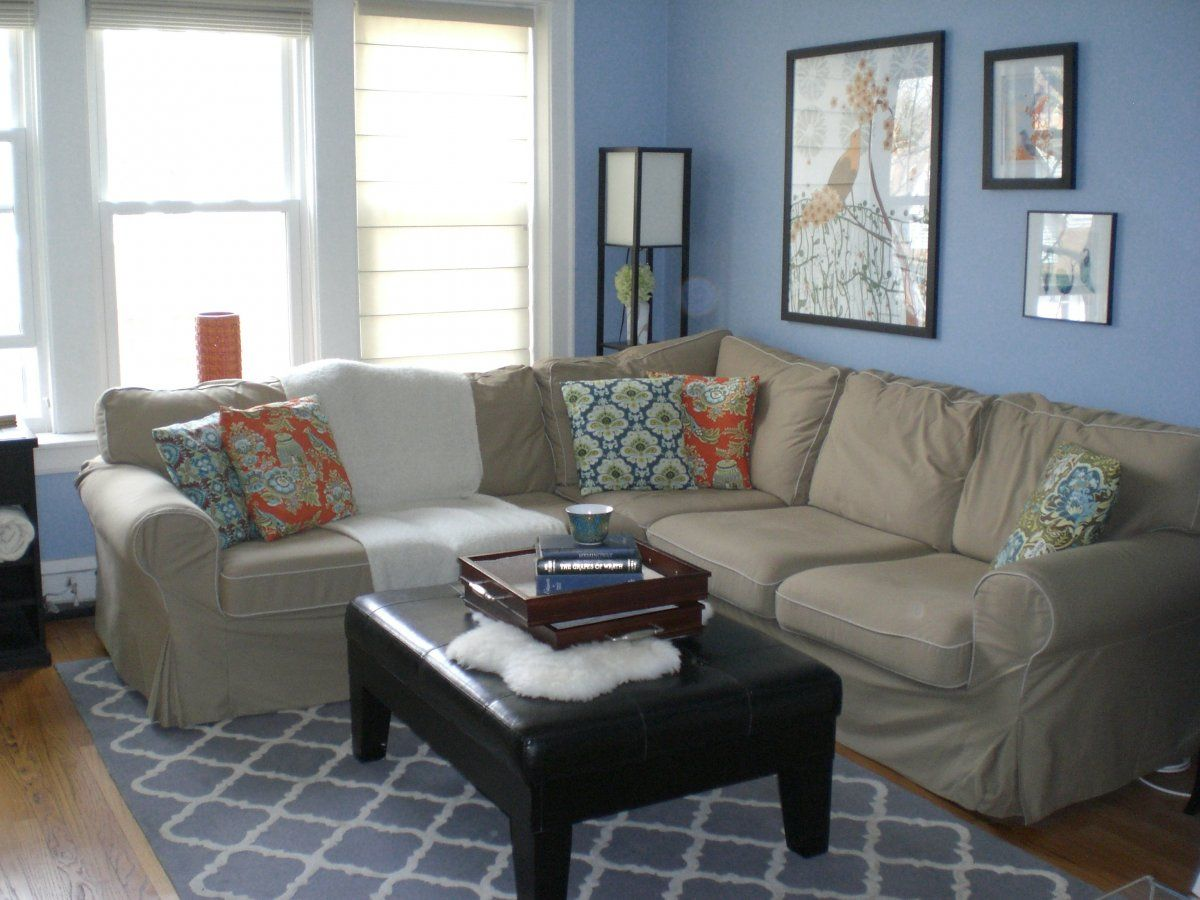 Sky blue and white themed navy living room ideas with modular gray fabric sofa furniture that