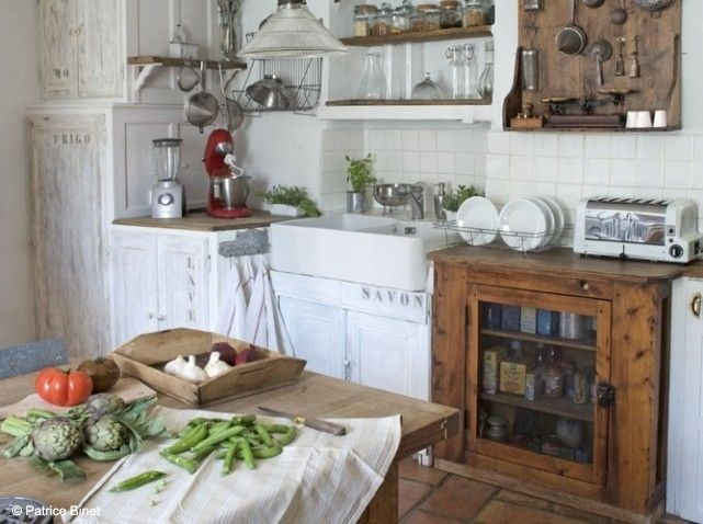 Cuisine ancienne rustic kitchen well organized kitchen for Cuisine ancienne campagne