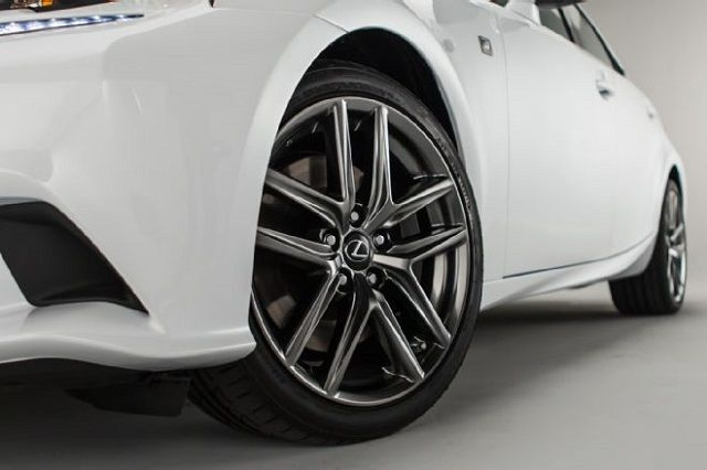 Lexus IS 350 F Sport Car View