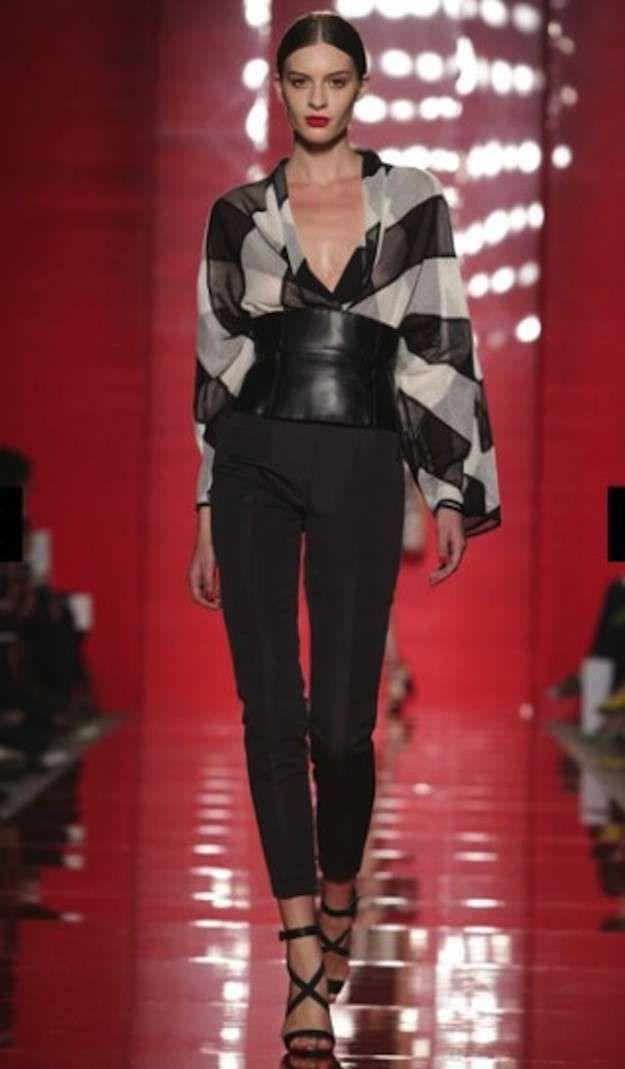 Trajes de fiesta de pantalón para mujer  fotos de los modelos - Les copains  pantalones y blusa 6706067f29aa