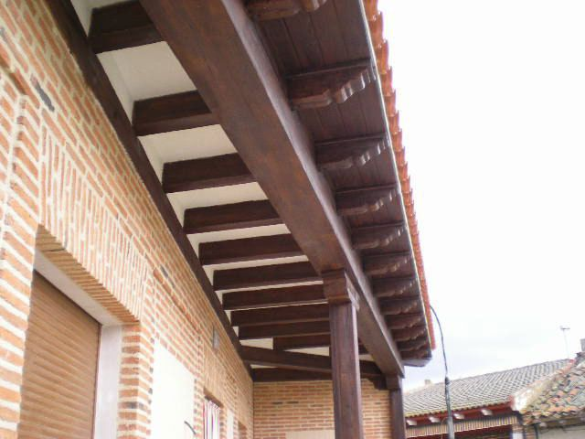 Resultado de imagen de columna madera fachada | Fachadas | Pinterest ...
