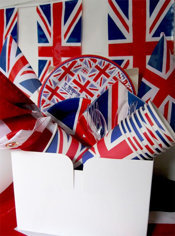 Themed paper plates and cups for the Diamond Jubilee & Themed paper plates and cups for the Diamond Jubilee | London ...