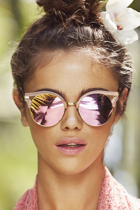 57b0606b5c97f Up your street style game with the Next Move Pink Mirrored Sunglasses! Pink  and gold clubmaster frames hold round mirrored lenses with a pink and gold  tint.
