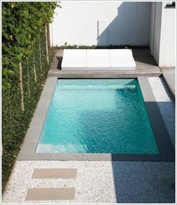 Resultado de imagem para jardim pequeno com piscina pequena House