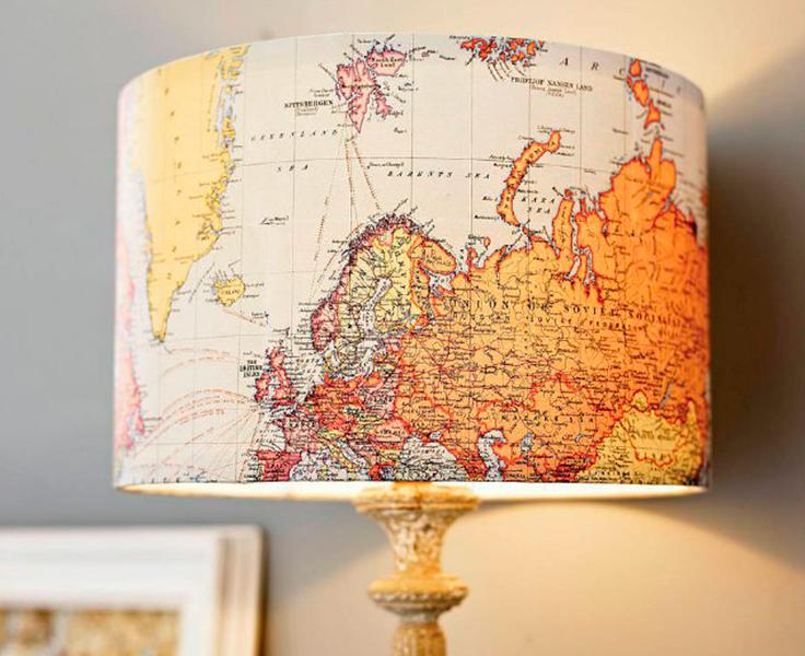 #TipLópezCotilla decora una lámpara, utilizando mapas viejos. Será una manera de recordar ese viaje especial.