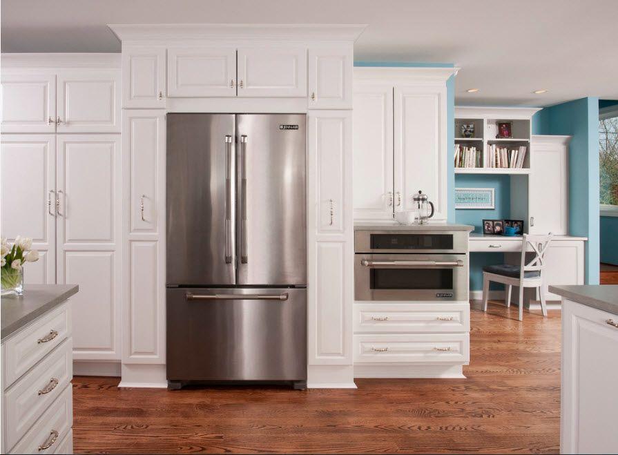 Дизайн кухни с холодильником 2019 фото svoimy-rukami.ru