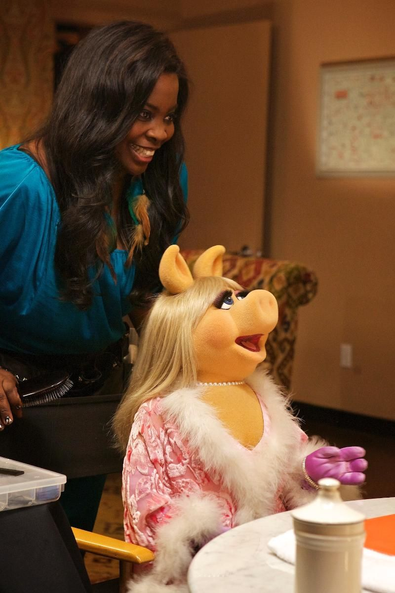 "MISS PIGGY APPEARS IN NEW EPISODE OF WE tv's ""L.A. HAIR"""