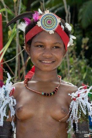 naked papua new guinea women