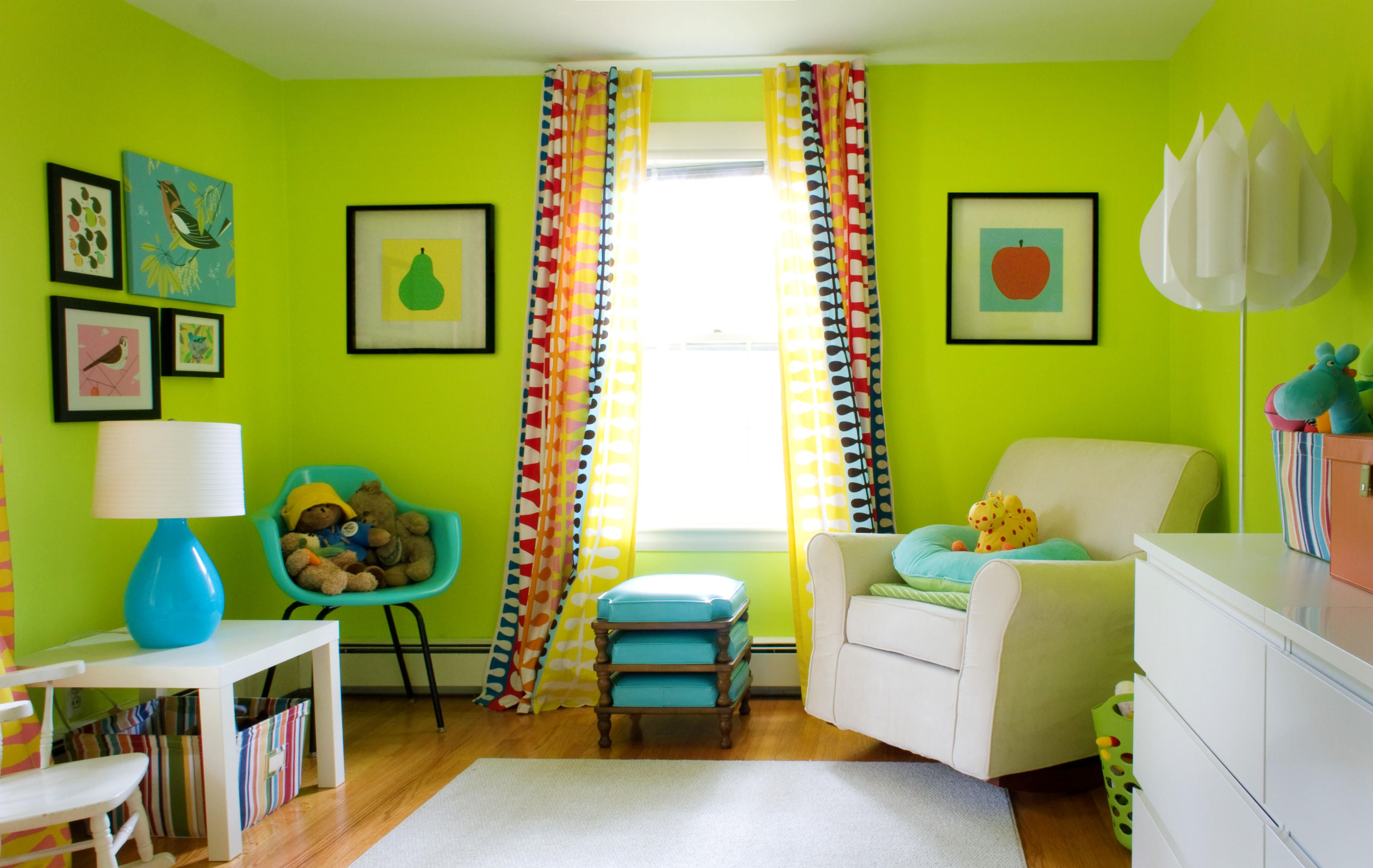 Modern lime green living room wall color love this idea for Small living room colour ideas