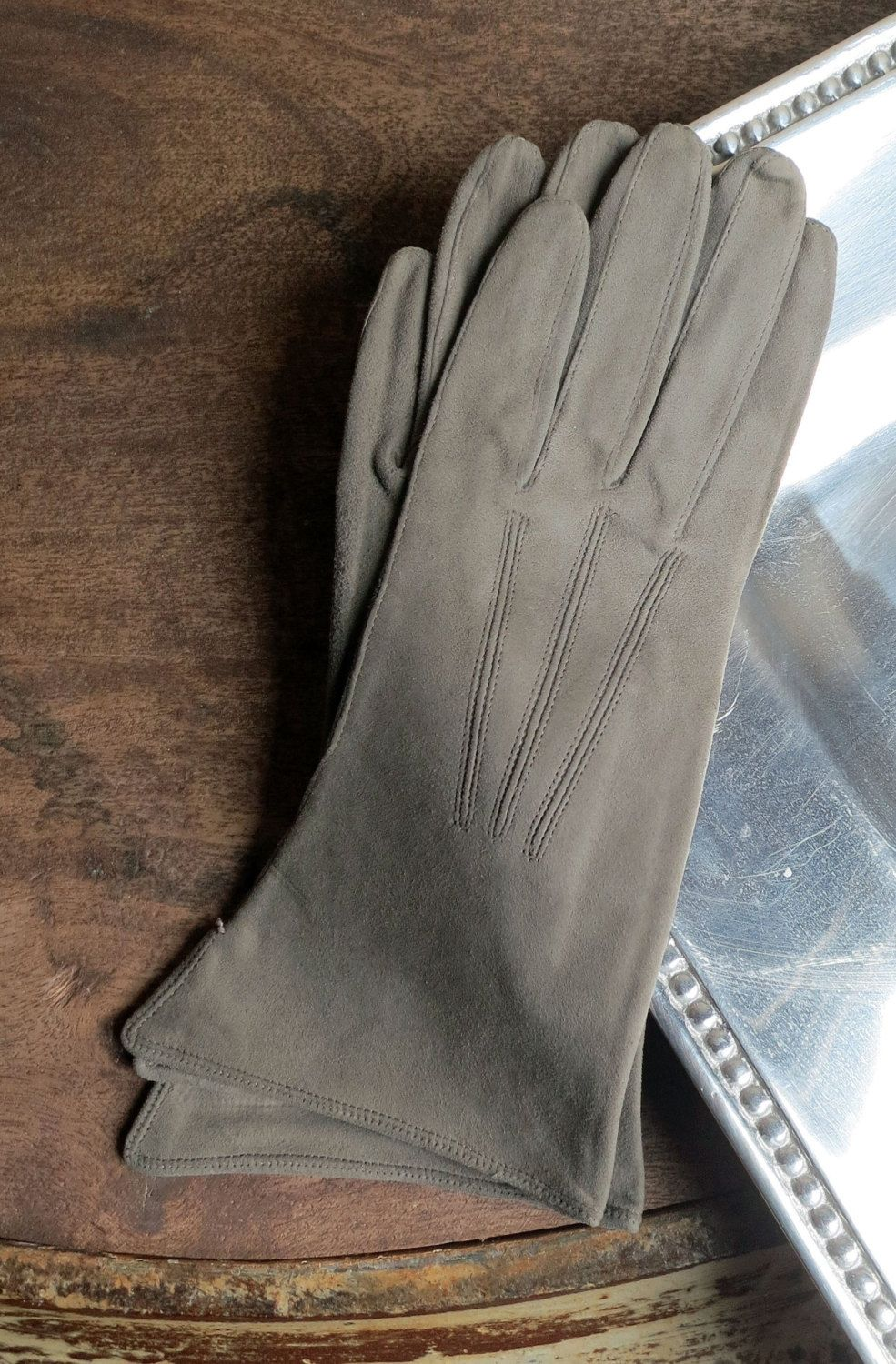 Ladies coloured leather gloves - Ladies Leather Gloves Size 6 5 Taupe Color Suede Leather Gloves By Minniesflea On Etsy