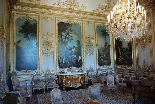 I love everything about this La chambre de M le Prince chateau