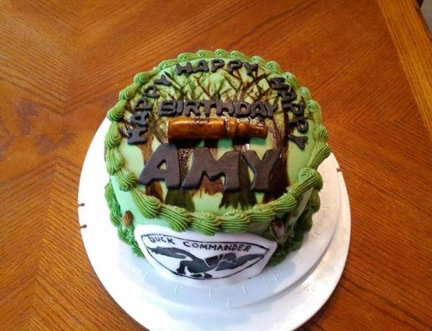 Duck Dynasty Birthday Cake..where was this 9 days ago ...