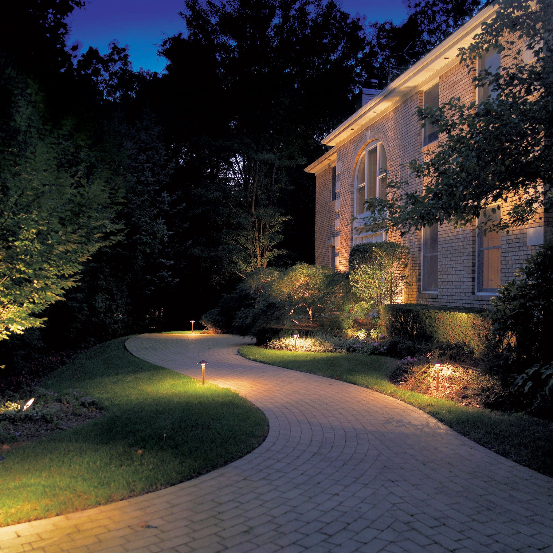 75 Beautiful And Artistic Outdoor Lighting Ideas Home Gardens