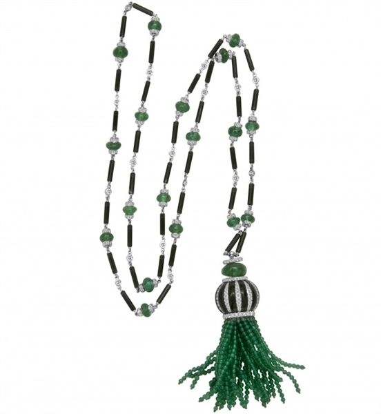 How about emerald + tassels? Another timeless classic! Emerald Bead Tassel Necklace @gumuchian