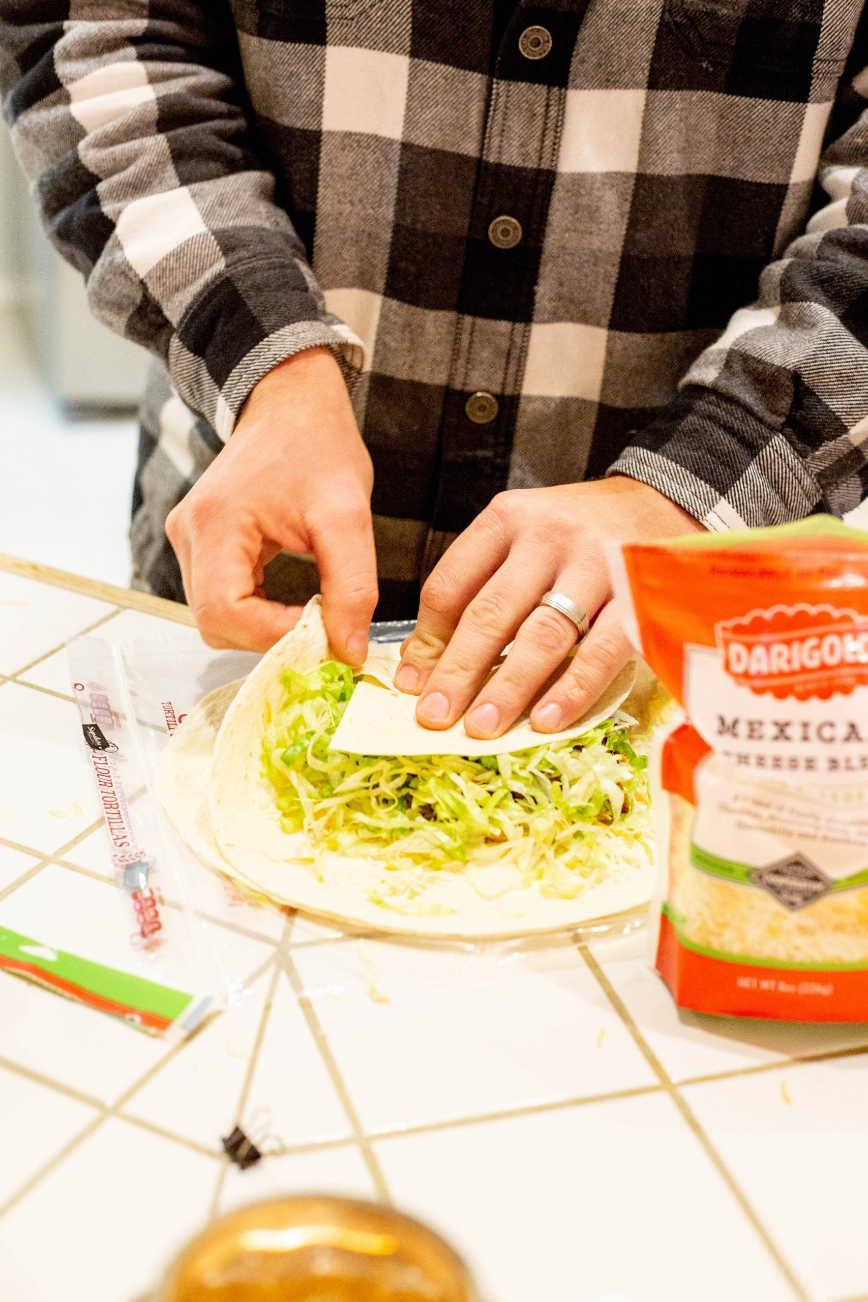 Copycat Homemade Taco Bell Crunchwrap Steak Crunchwrap In 2020 Homemade Tacos Easy Dinner Recipes Homemade Recipes