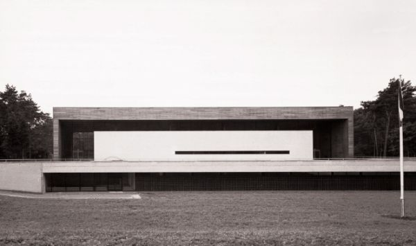 germanpostwarmodern:  Sports Hall (1960-65) in Zeist, the Netherlands, by Hugh Maaskant