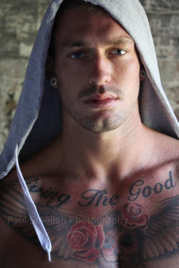 3b1b00dd1e250 Chad Hursty Portrait Hommes, Tattoos For Guys, Tattoo Man, Chest Tattoo,  Sexy