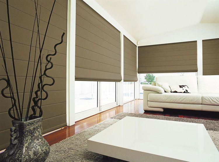 50 modelli di tende a pacchetto moderne per interni for Veneziane in legno ikea