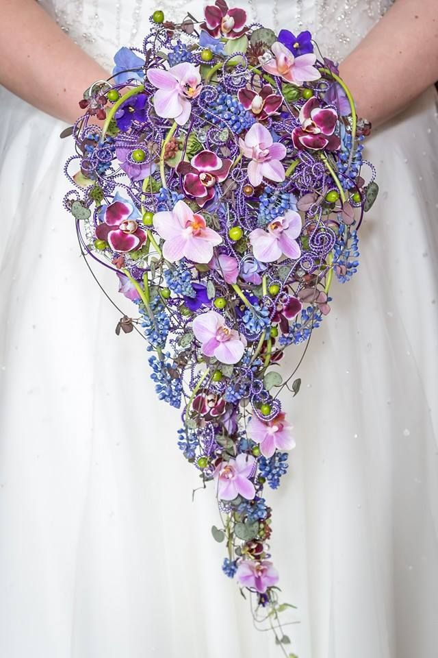I LOVE THIS gorgeous bouquet details created with wire and delicate ...