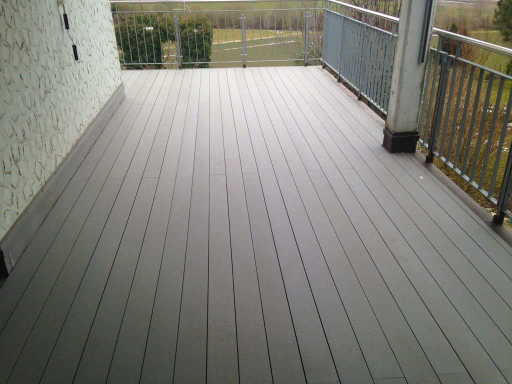 Outdoor Flooring Materials Deckingsuppliers Of Composite Decking In Irelandpvc Deck Board