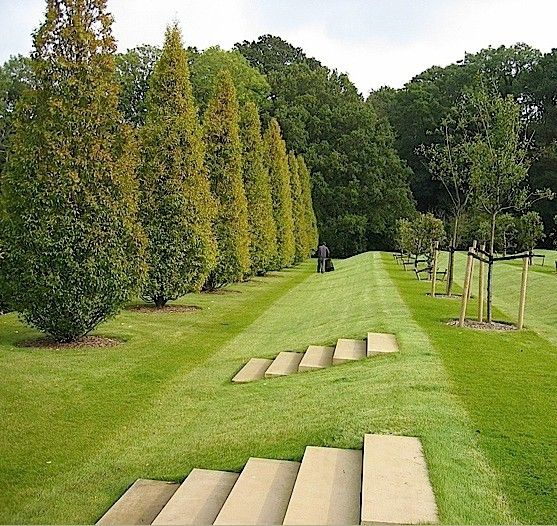 Steps In Lawn Bank Country Garden Design Sloped