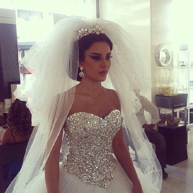 New Fashion 2017 Organza Wedding Dresses Elegant Beaded Crystal