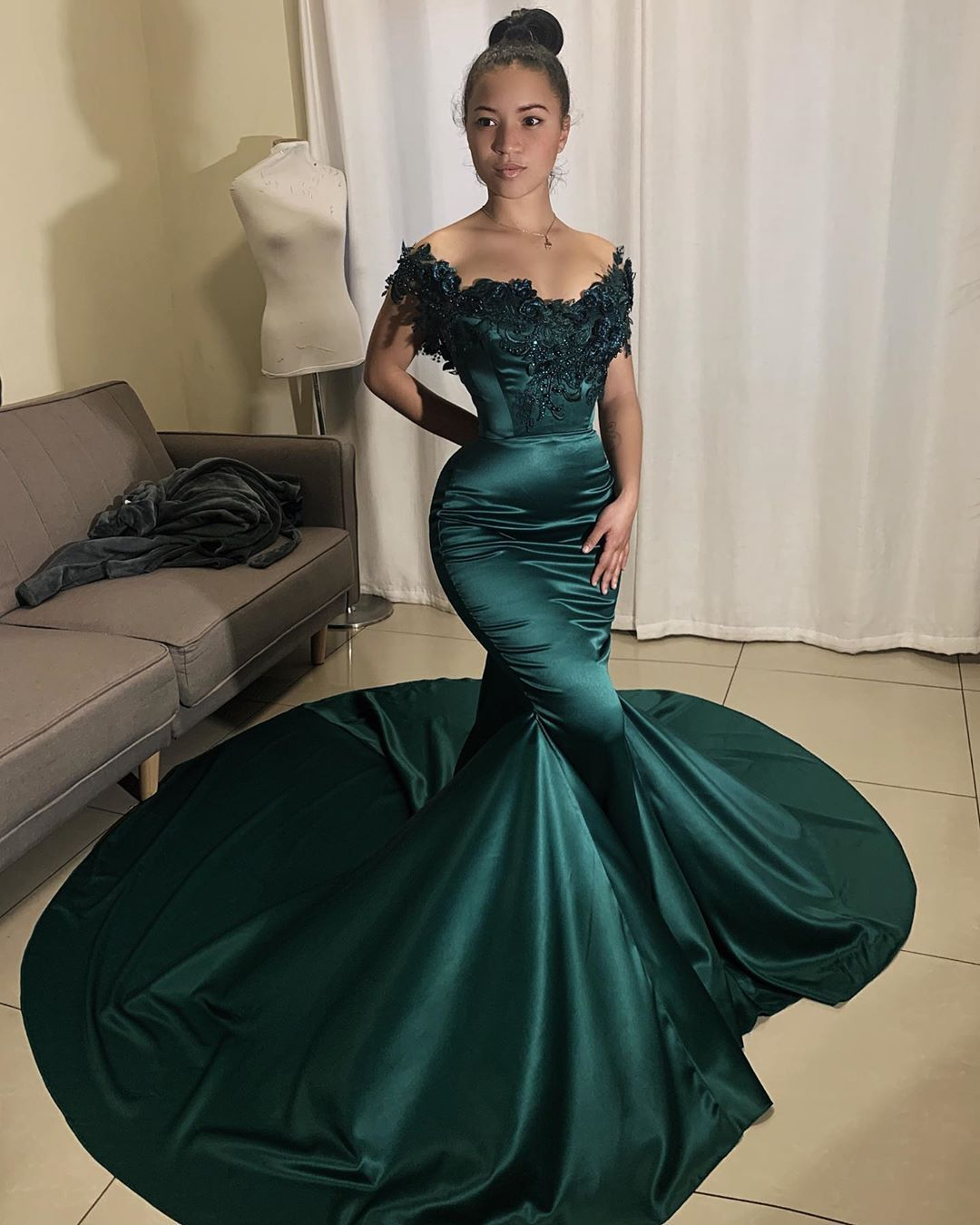 Ruberto Scholtz On Instagram Green With Envy Back To Basics A Strong Color And A Good Silhoue Dark Green Prom Dresses Green Prom Dress Cheap Prom Dresses [ 1350 x 1080 Pixel ]
