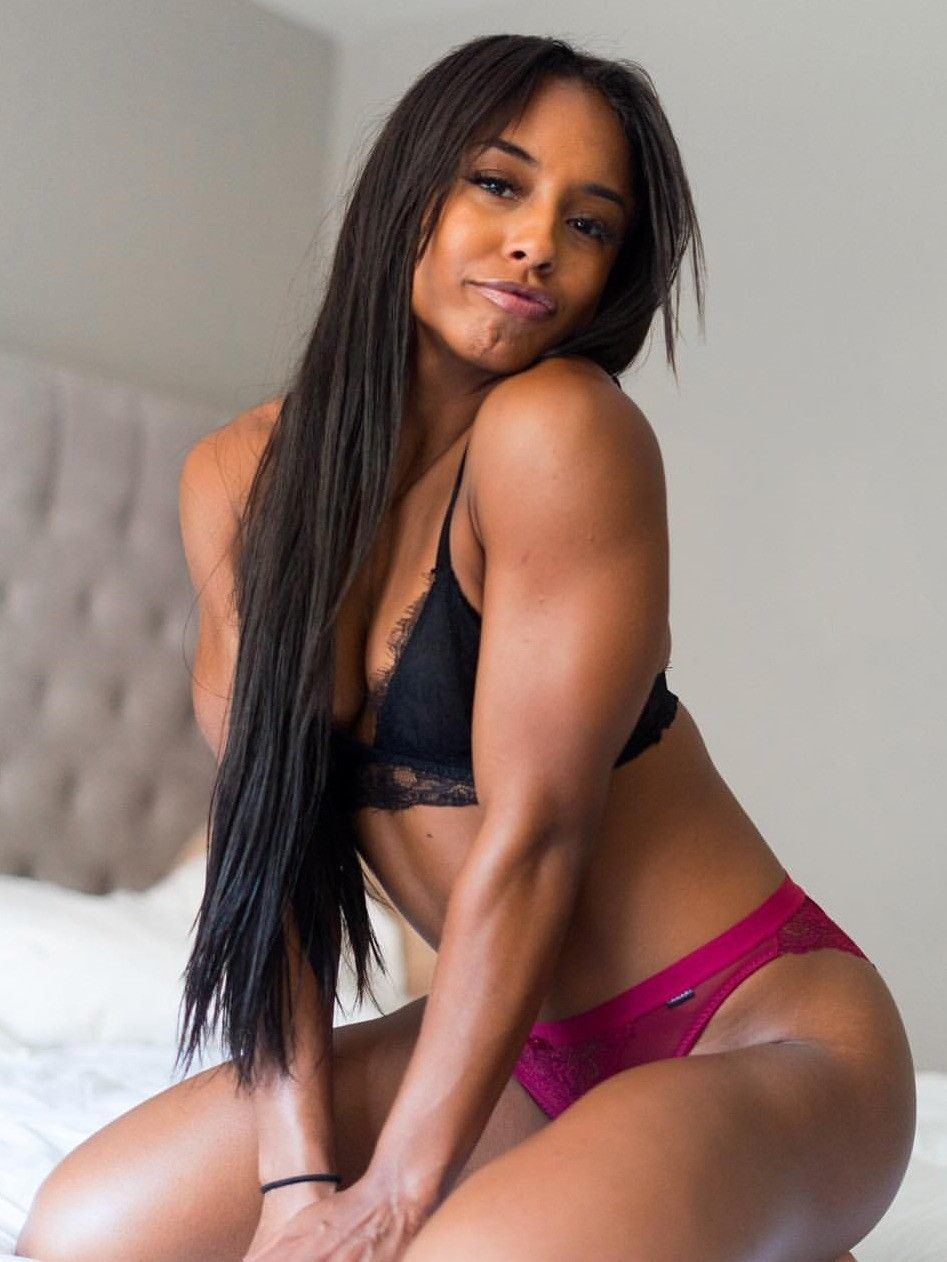 Qimmah Russo Sexy - 7 Photos new foto