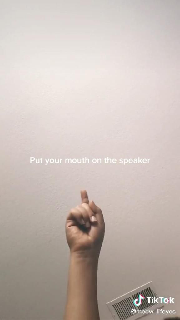 Put Your Mouth Over The Speaker And See What Happens To The Sound Video Crazy Funny Videos Funny Mouth Funny Short Videos
