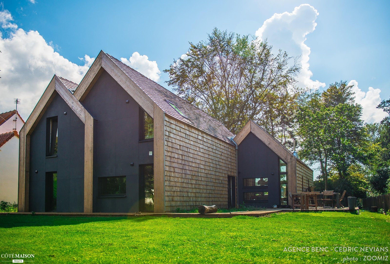 construction bois clt avec tuiles bois et panneaux min ral maison de 171 m dur e des. Black Bedroom Furniture Sets. Home Design Ideas