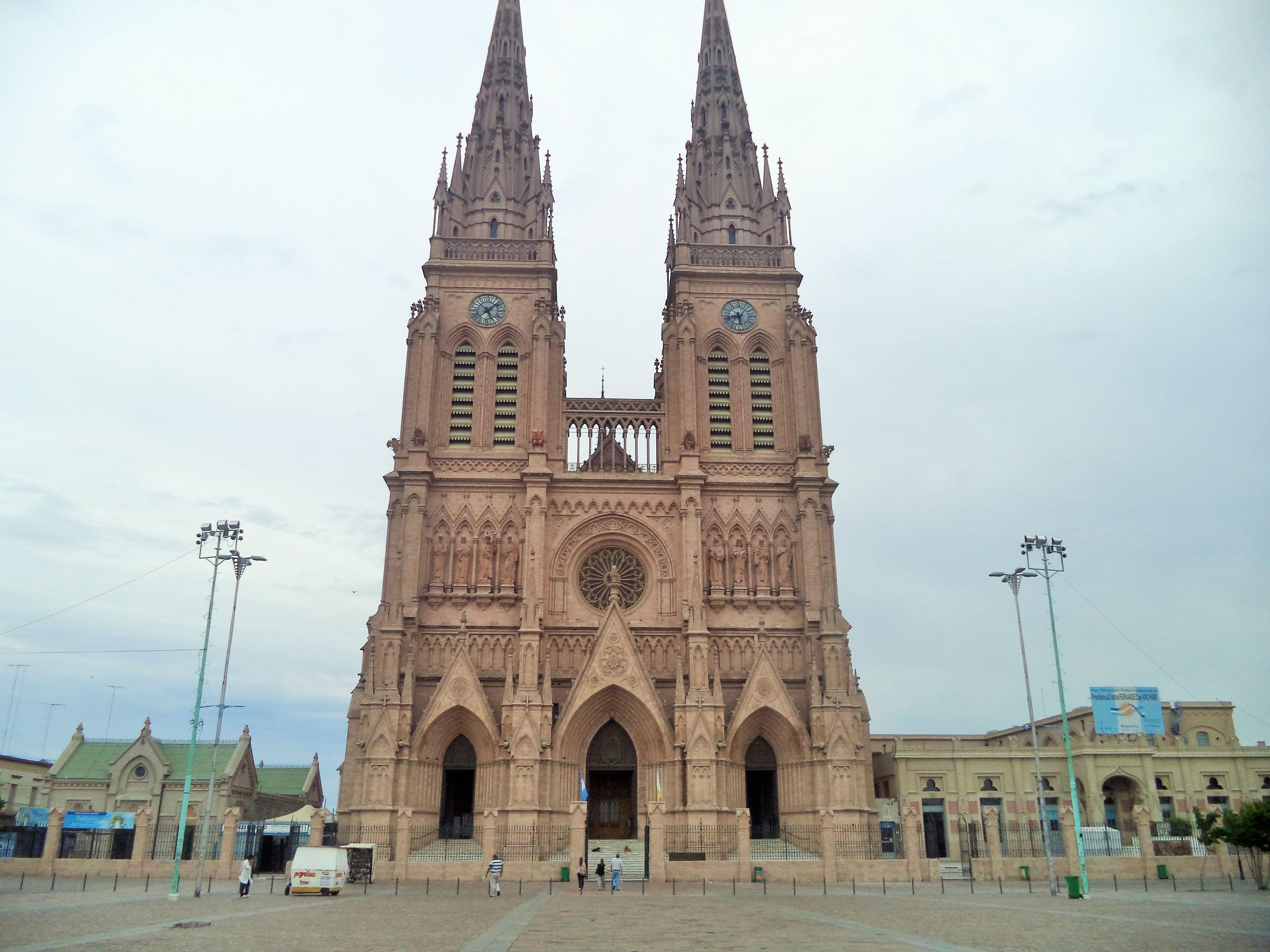 Basílica Nuestra Señora de Luján, Luján, Provincia de