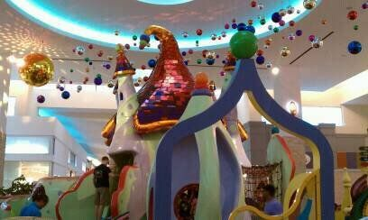 Memorial City Mall Free Indoor Playground Ice Skating Carousel Movie Theater Outdoor Splash Fountains Arc Indoor Playground Kids Entertainment Family Fun