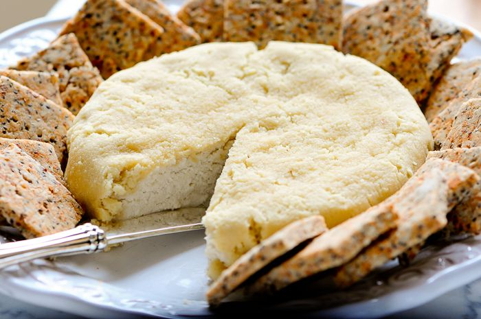 Vegan Badem Peyniri